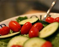 Салата от зеленчуци - краставица и домат