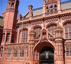 Готическа сграда в  Англия